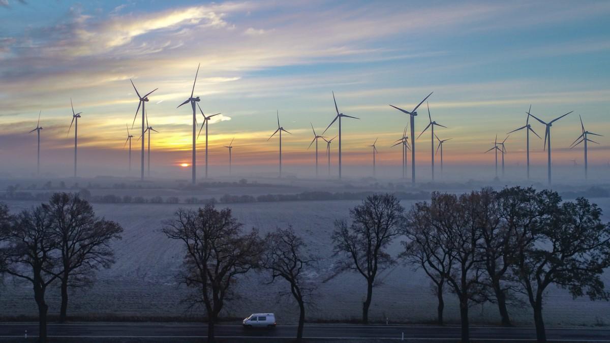 Klimaschutz: Erneuerbare Energien kosten immer weniger