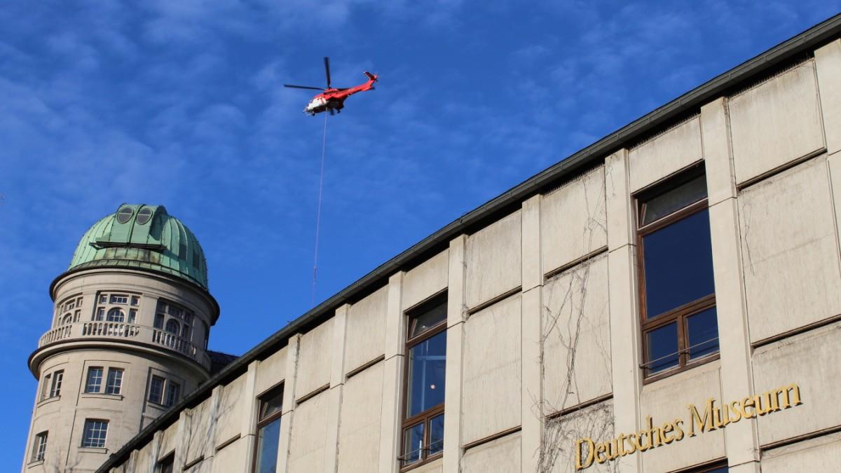 München - Hubschrauber-Einsatz am Deutschen Museum