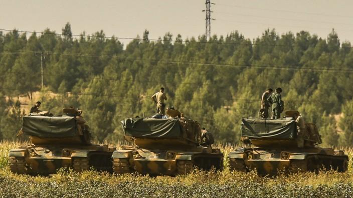 Syrien-Krieg: Türkische Soldaten nahe der syrischen Grenze