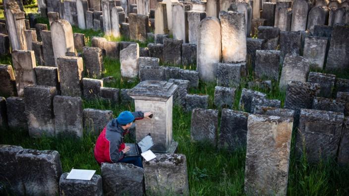 Land bündelt Initiativen zu jüdischen Friedhöfen