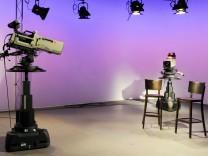 Kameras in Fernseh Studio Mittwoch 11 09 2013 Erfurt Landesfunkhaus des MDR Mitteldeutscher Ru