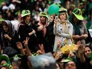 Iran, iranerinnen, Mussawi, Handy, Twitter, Proteste