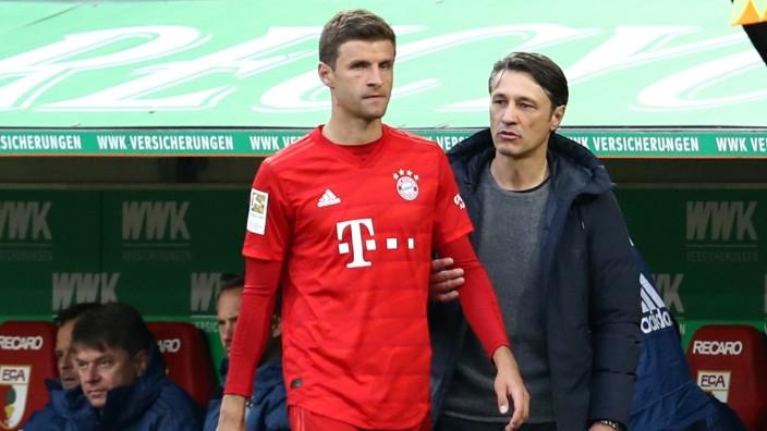 FC Bayern: Niko Kovac und Thomas Müller beim Bundesliga-Spiel gegen den FC Augsburg
