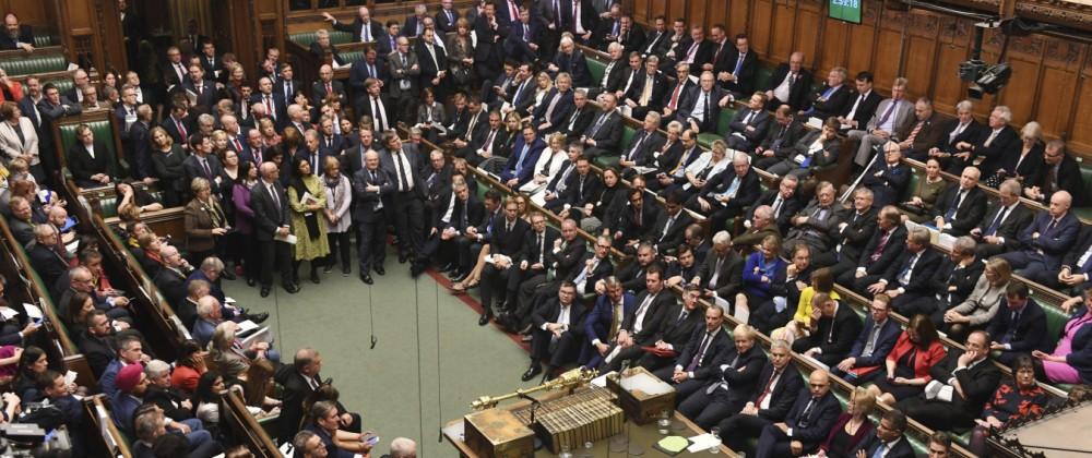 Britisches Parlament vertagt Entscheidung zu Brexit-Deal