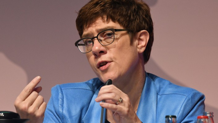 CDU-Chefin Annegret Kramp-Karrenbauer spricht beim Deutschlandtag der Jungen Union 2019