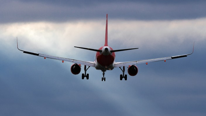 Flugzeug Airline Easyjet Landung