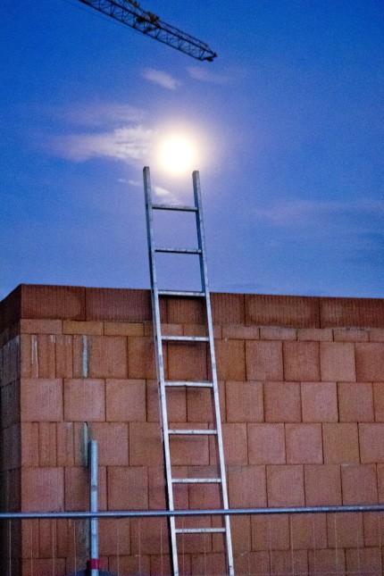 Leiter zum Mond