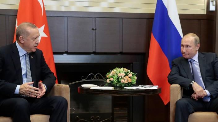 Wladimir Putin und Recep Tayyip Erdogan bei einem Treffen 2019 in Sotschi
