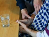 Verdacht auf Abrechnungsbetrug - Razzien in München und Augsburg