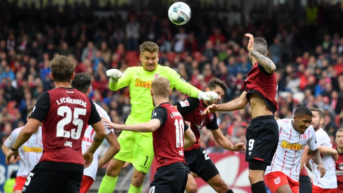1. FC Nürnberg v SSV Jahn Regensburg - Second Bundesliga