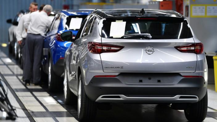 Fiat Chrysler und Opel-Mutter PSA prüfen Fusion