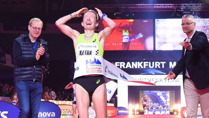 27.10.2019, xhbx, Leichtathletik Marathon, 38. Mainova Frankfurt Marathon emspor, v.l. Katharina Steinruck (DFL/DFB REG