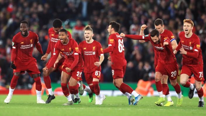 Ligapokal In England Liverpool Gewinnt Irres Duell Sport