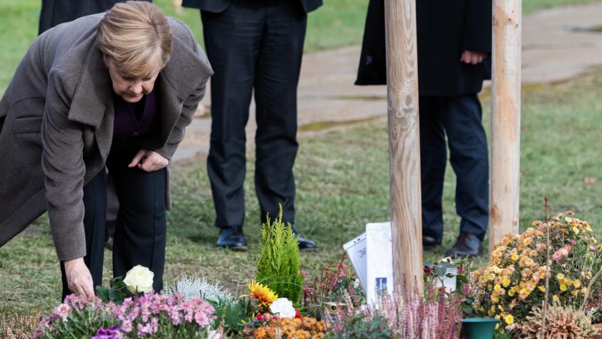 Sachsen - Merkel besucht neues Mahnmal in Zwickau