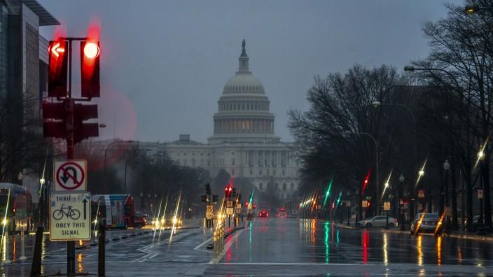 Washington: Kapitol im Regen