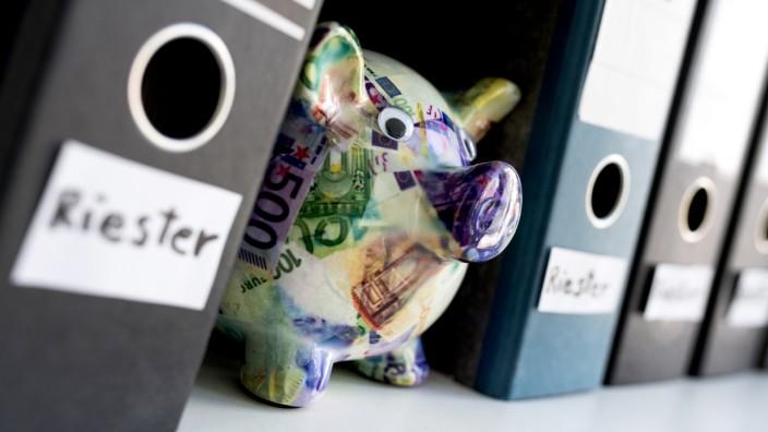 Zu viel berechnet:Riester-Sparer bekommen Doppelprovision zurück