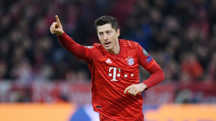 FUSSBALL CHAMPIONS LEAGUE SAISON 2019/2020 Vorrunde Gruppe B FC Bayern Muenchen - Olympiakos Piraeus 06.11.2019 JUBEL F; Lewandowski