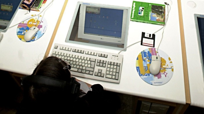 Multimedia-Klassenzimmer Bei DPA: Unter Abo Bildern zu finden! im Abo enthalten.