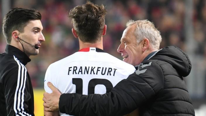 David Abraham und Christian Streich beim Spiel SC Freiburg gegen Eintracht Frankfurt