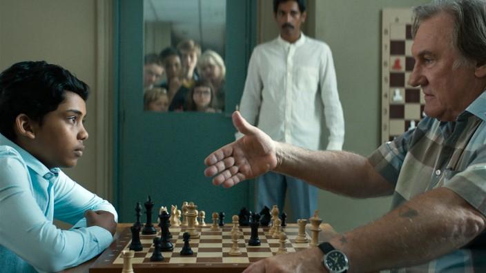 """Ahmed Assad und Gérard Depardieu im Film """"Das Wunder von Marseille"""""""