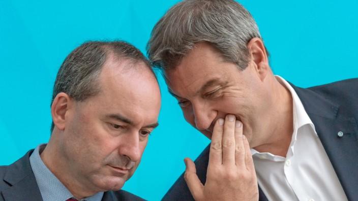 In Harmonie vereint: Ministerpräsident Markus Söder (rechts) und sein Stellvertreter Hubert Aiwanger.
