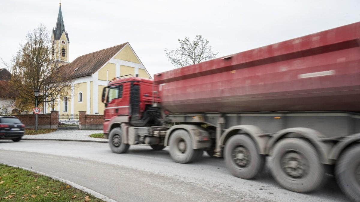 Haar - Protest gegen Laster kommt ins Rollen - Süddeutsche Zeitung