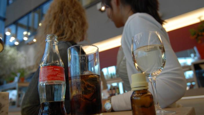 Getränke an einer Bar, 2009