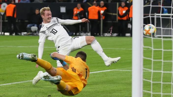 Dfb Elf Gegen Weissrussland Wohin Mit Brandt Sport Sz De