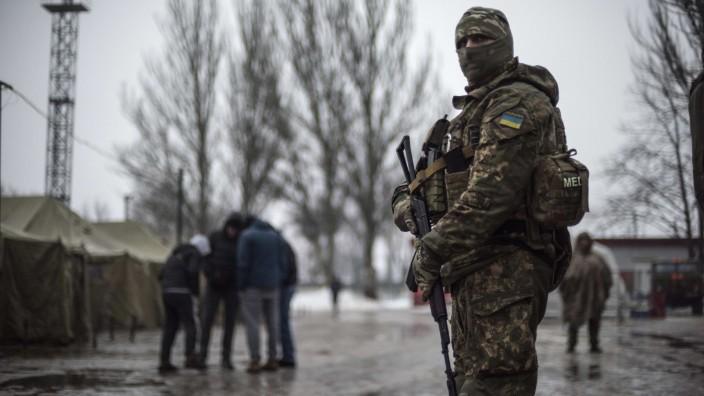 Frankreich kündigt Ukraine-Gipfel für den 9. Dezember an