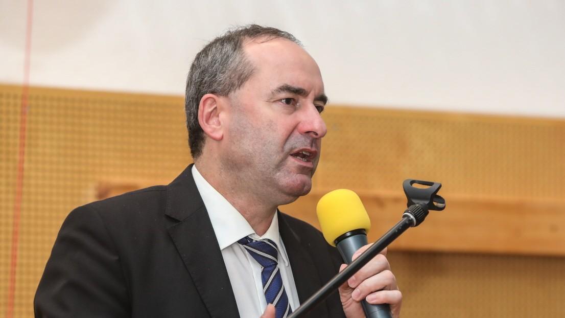 Freie Wähler: Aiwanger bleibt Bundesvorsitzender