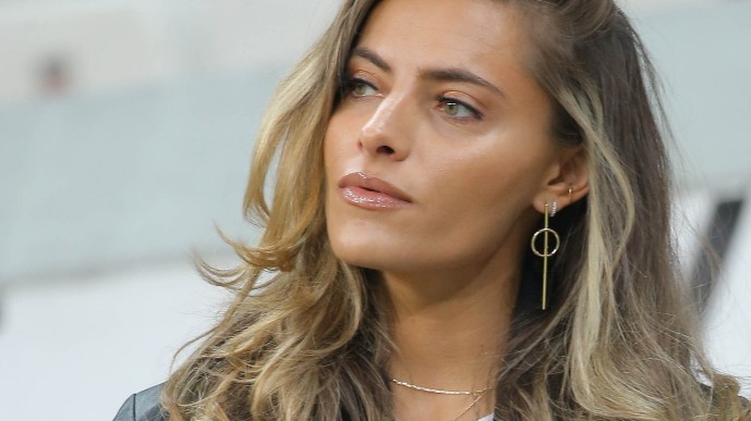 Besiktas goalkeeper Loris Karius s girl firend German Model Sophia Thomalla during the Turkish Super League football ma