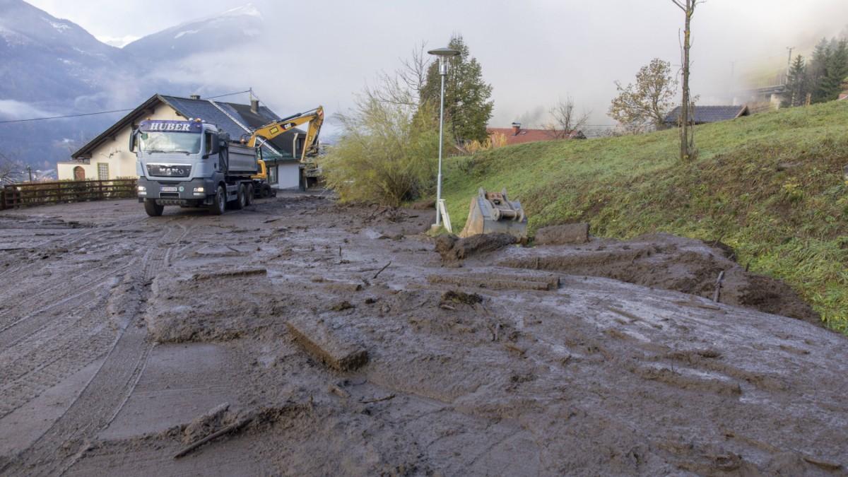 Österreich: Lawinen, Erdrutsche, Hochwasser