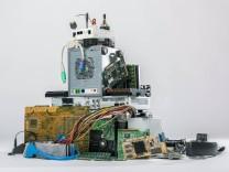 Elektronischer Abfall Kiel Studio Schleswig Holstein Germany *** Electronic Waste Kiel Studio Schles