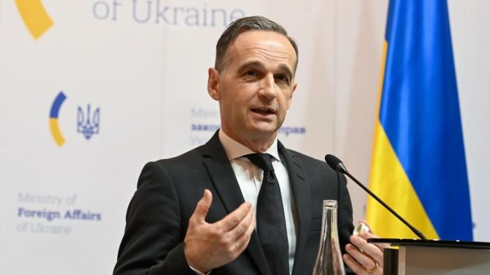 Nach Fundamentalkritik - Deutschland: Nato-Zusammenarbeit auf den Prüfstand stellen
