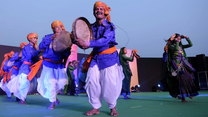 NEW DELHI INDIA FEBRUARY 15 Indigenous tribal people from various parts of India participate at