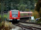 Gilching_S8_Flughafenlinie_in_Gilching-Argelsried_3