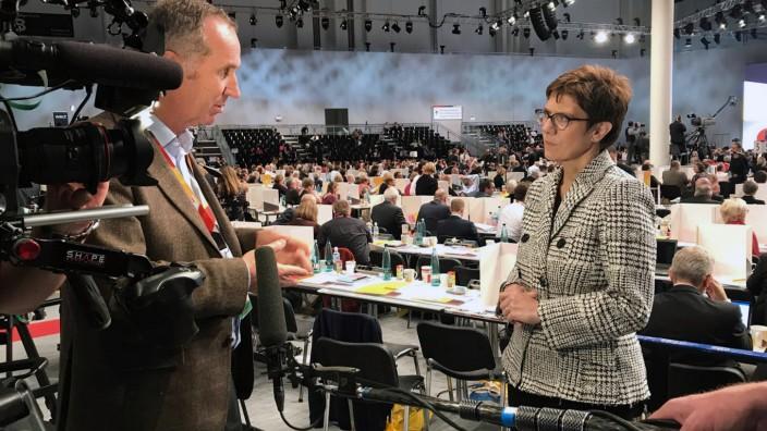 Die Notregierung - Ungeliebte Koalition
