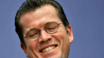 Minister Guttenberg: Falscher Vorname