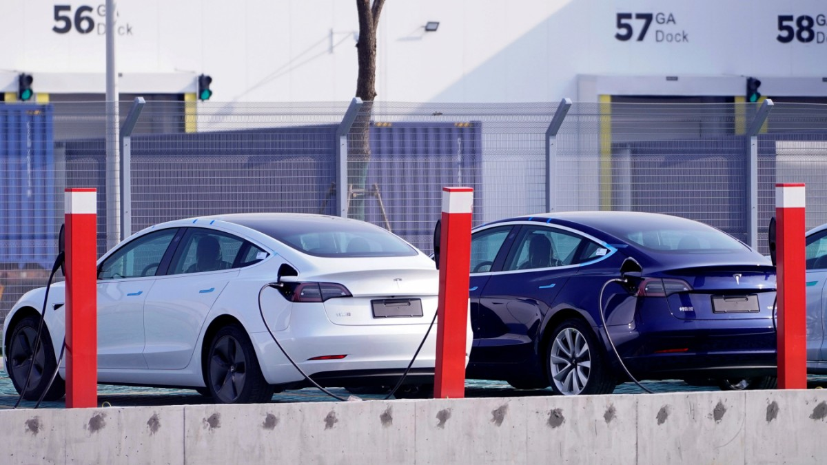 Tesla: Batterien halten länger als gedacht
