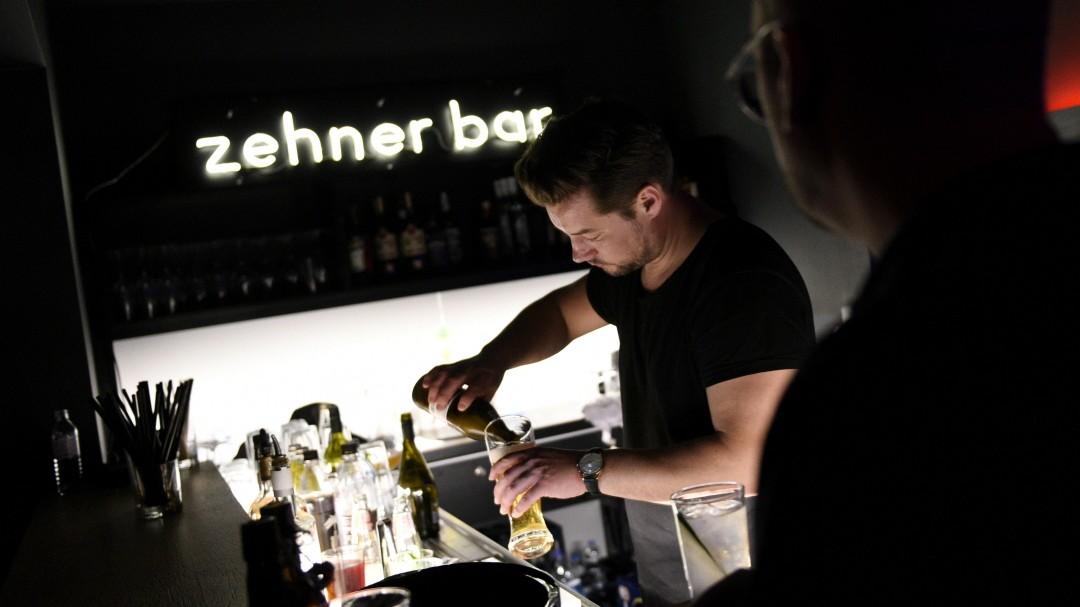 """Bar """"Drossel und Zehner"""" in der Isarvorstadt"""