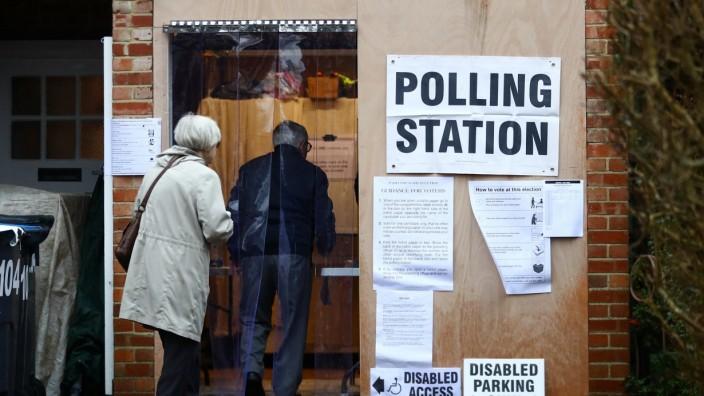 Großbritannien Wahl Wahlokal