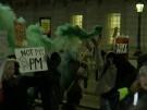 Hunderte Anti-Boris-Johnson-Demonstranten ziehen durch London (Vorschaubild)