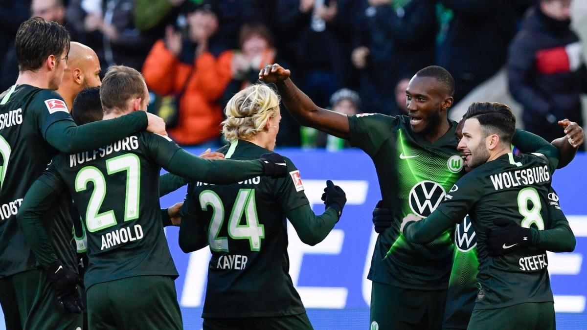 Bundesliga: Gladbach gibt Tabellenführung ab