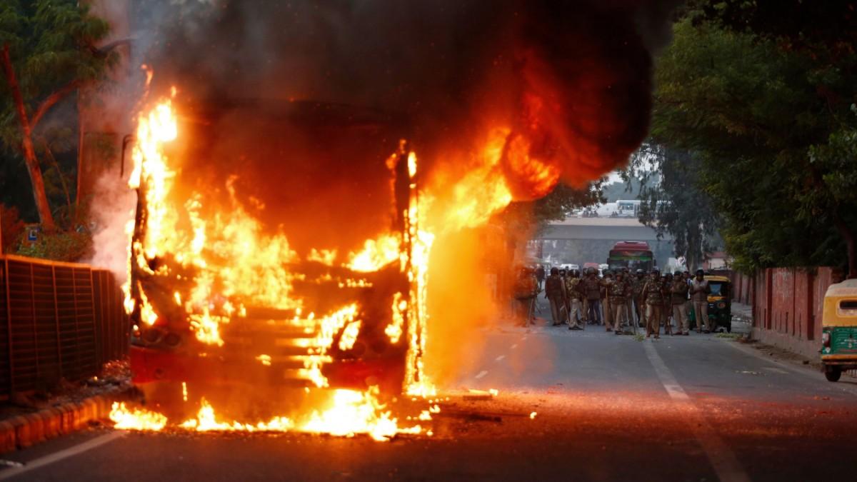 Dutzende Verletzte bei Ausschreitungen in Neu-Delhi