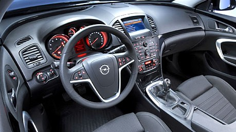 Opel Insignia 2.0 Turbo 4x4 - Wohlfühlambiente im Insignia. Die ...   {Armaturen auto 7}