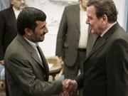 Treffen mit Ahmadinedschad, Zentralrat der Juden greift Schröder an