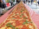Eine 103 Meter lange Pizza für den guten Zweck (Vorschaubild)