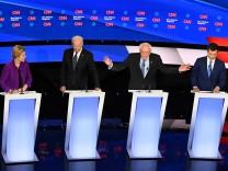 Seventh Democratic presidential primary debate