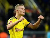 BVB-Stürmer Erling Haaland bejubelt einen Treffer