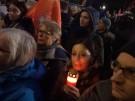 Hanau: Hunderte Menschen bei Mahnwache am Brandenburger Tor (Vorschaubild)